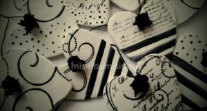 ORNAMENTS BLACK & WHITE